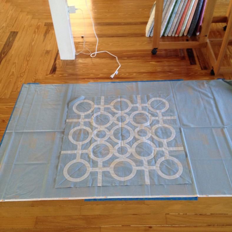doe couch_circle lattice quilt top_carolyn friedlander