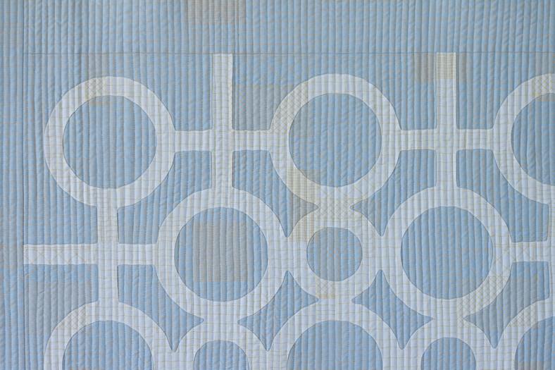 doe couch quilt_circle lattice detail 1_carolyn friedlander