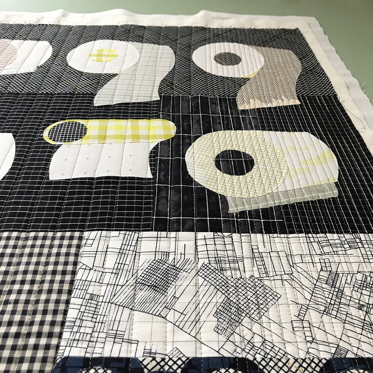 quilting my TP quilt . carolyn friedlander