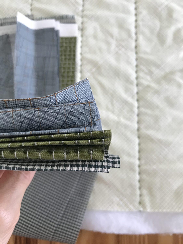 hunt quilt along binding . carolyn friedlander