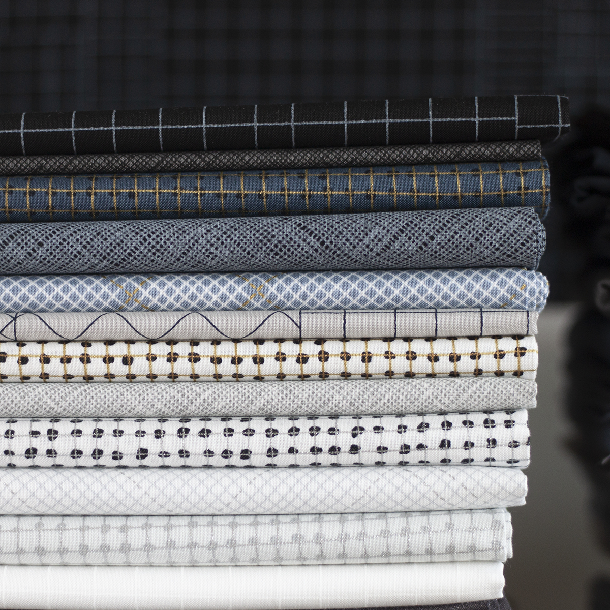 Collection CF Grid Group fabric . Carolyn Friedlander