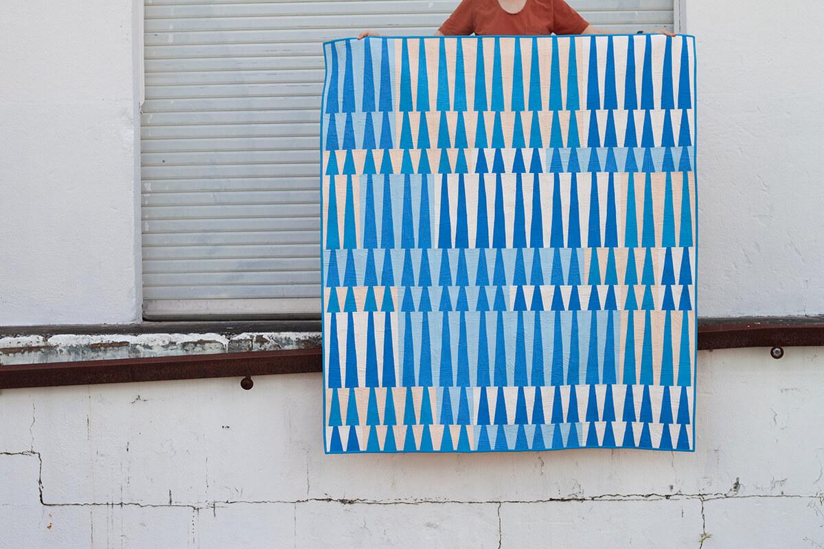 long leaf quilt in blue by carolyn friedlander